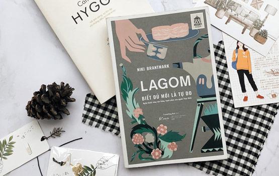 """Cuốn sách """"Lagom – biết đủ mới tự do"""""""